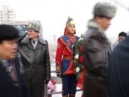 Памятник Герою Великой Отечественная войны Плиеву появилсявУлан-Баторе
