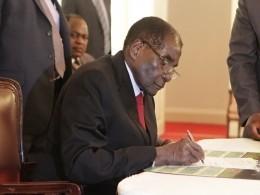 Роберт Мугабе подал вотставку