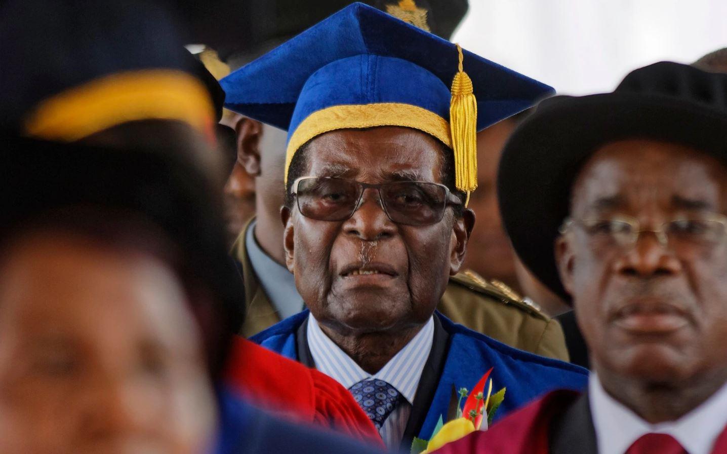 Престарелый ловелас ибессменный правитель. Роберт Мугабе сдался?