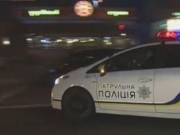 Наостановке общественного транспорта вцентре Киева гремели выстрелы