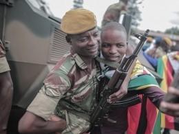 Естьли жизнь после Мугабе? Встолице Зимбабве убирают блокпосты