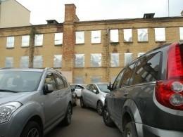Генпрокуроры «ограничат» парковку автомобилей вцентре Петербурга