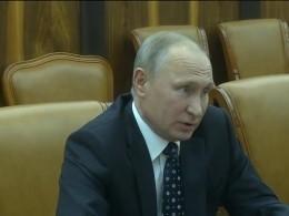 Пятый канал публикует кадры встречи Владимира Путина ирежиссёра Оливера Стоуна