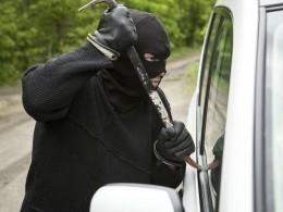 Вооруженный ломом грабитель напал наполицейского вВоркуте