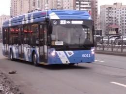 Первый пассажирский электробус вышел налинию вСанкт-Петербурге