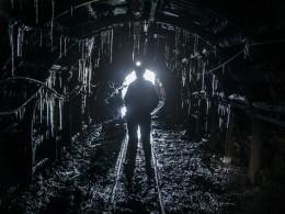 Изшахты «Есаульская» вКузбассе, где произошло обрушение, эвакуировали95 горняков