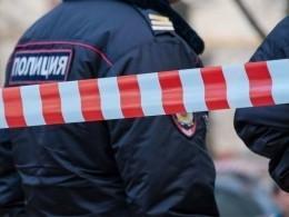 Стрелок наИловайской продолжает удерживать заложников инепускает натерриторию фабрики врачей