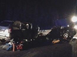 Первое видео изХМАО,где вДТП сдвумя легковушками погибли10 человек