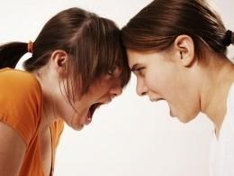 «Сколена случайно вышло…»— разъяренная школьница зверски избила ровесницу вВеликом Устюге