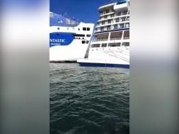 Наподходе кБарселоне столкнулись паром икруизный лайнер