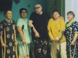 Эпатажный Шура создал вкурганской клинике группу «Шурановские бабушки»