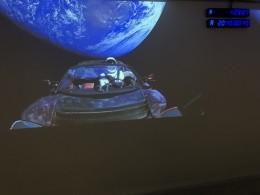 «Хорошим рекламным трюком» считают в«Роскосмосе» запуск наорбиту автомобиля Tesla