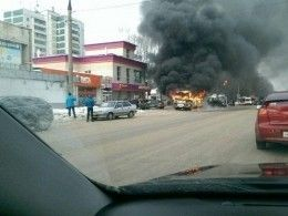 Переполненный автобус загорелся находу вУльяновске