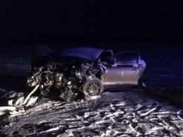 ВКалмыкии натрассе Астрахань-Невинномысск всмертельной аварии столкнулись две легковушки