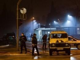 Неизвестный бросил взрывное устройство впосольство США вЧерногории