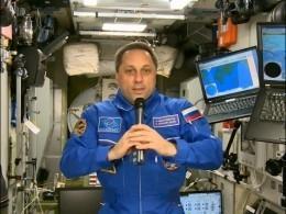 Командир экспедиции МКС прямо сорбиты поздравил женщин с8марта