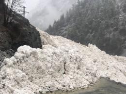 Пятый канал публикует видео сошедшей вДагестане лавины