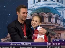 Российские фигуристки взяли золото иСеребро наЧемпионате Мира пофигурному катанию среди юниоров