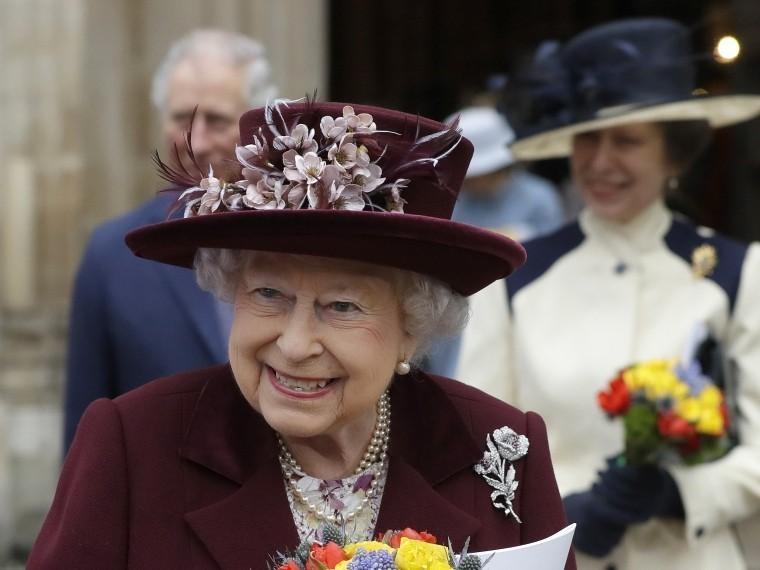 Елизавета IIодобрила свадьбу принца Гарри