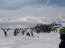 Среди пострадавших отрухнувшего вГудаури подъемника оказались четверо россиян