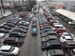 ВПетербурге резко повысят штрафы занеправильную парковку