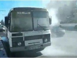Видео горящего автобуса, накотором журналисты поехали синспекцией воВладимире
