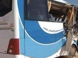 Неменее15 рабочих погибло вовремя столкновения двух автобусов вКувейте