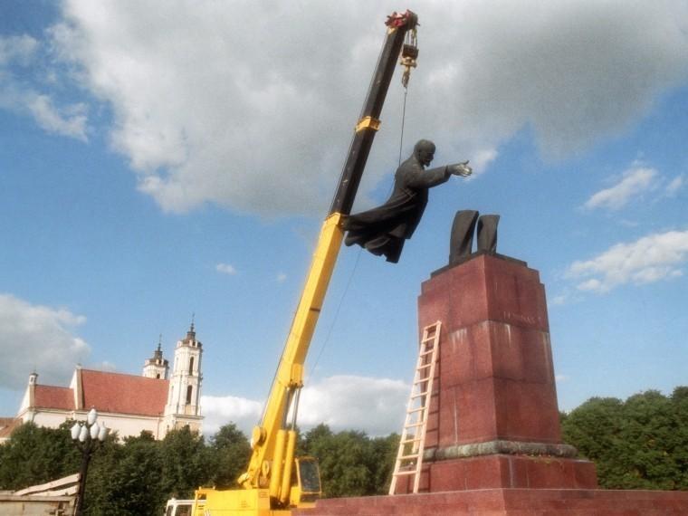 Тотальная «очистка памяти» или господство русофобии