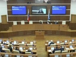 ВЗаксобрании Свердловской области депутаты-«ангелы» спасли своего провинившегося коллегу