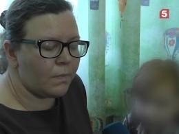 ВУльяновске ребенок попал вбольницу после падения нанего льда скрыши
