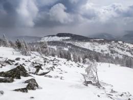 Одна иззаблудившихся вметель туристок вгорах под Красноярском спустилась самостоятельно