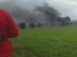 Неменее200 человек погибло врезультате крушения военного самолета вАлжире