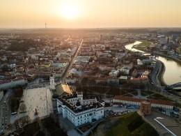 Вильнюс «украсили» флагами сосвастикой