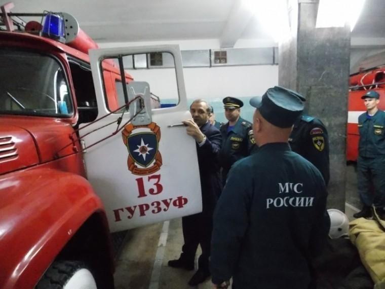 «Вылизаны! Чистота!»— Глава МЧСостался доволен «древней» пожарной техникой вКрыму