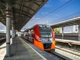 Скоростной поезд между Петербургом иПсковом запустят уже вэтом году