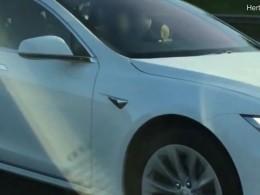 Заезду наавтопилоте британский водитель Tesla лишился прав