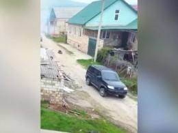 «Взрывы истрельба!»— уничтожение готовивших теракт боевиков попало навидео