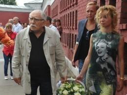 Цымбалюк-Романовская потратила миллионы,чтобы вернуть Джигарханяна