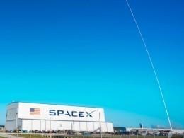 «Как тебе такое?»— Эксперты НАСА называют идею полета людей наFalcon 9Илона Маска «смертоубийством»