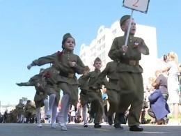 Видео: вИванове прошел Парад Победы для малышей