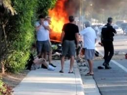 Два подростка сгорели заживо вTesla после аварии вСША