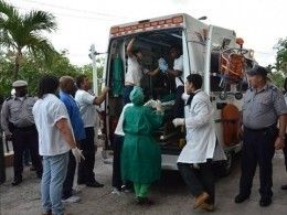 Ожоги имножественные переломы— ВГаване медики спасают выживших при крушении Boeing-737