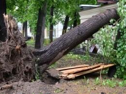 ВКирове оценивают последствия мощного урагана. Урал ждет