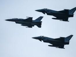 «Дилетантская глупость»— Минобороны о«перехвате» израильских F-16 внебе над Ливаном