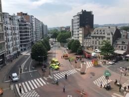 Видео: Мужчина расстрелял полицейских изахватил заложника вБельгии