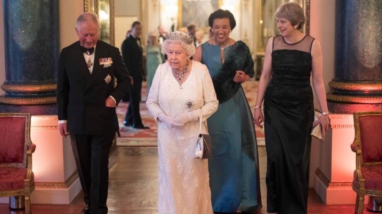 Королева Великобритании обделила наградами героев пожара вGrenfell Tower