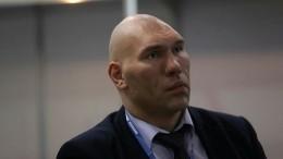 Николай Валуев предложил футболистам поучиться мужеству ухоккеистов