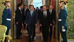 Владимир Путин подытожил переговоры сМун Чже Ином