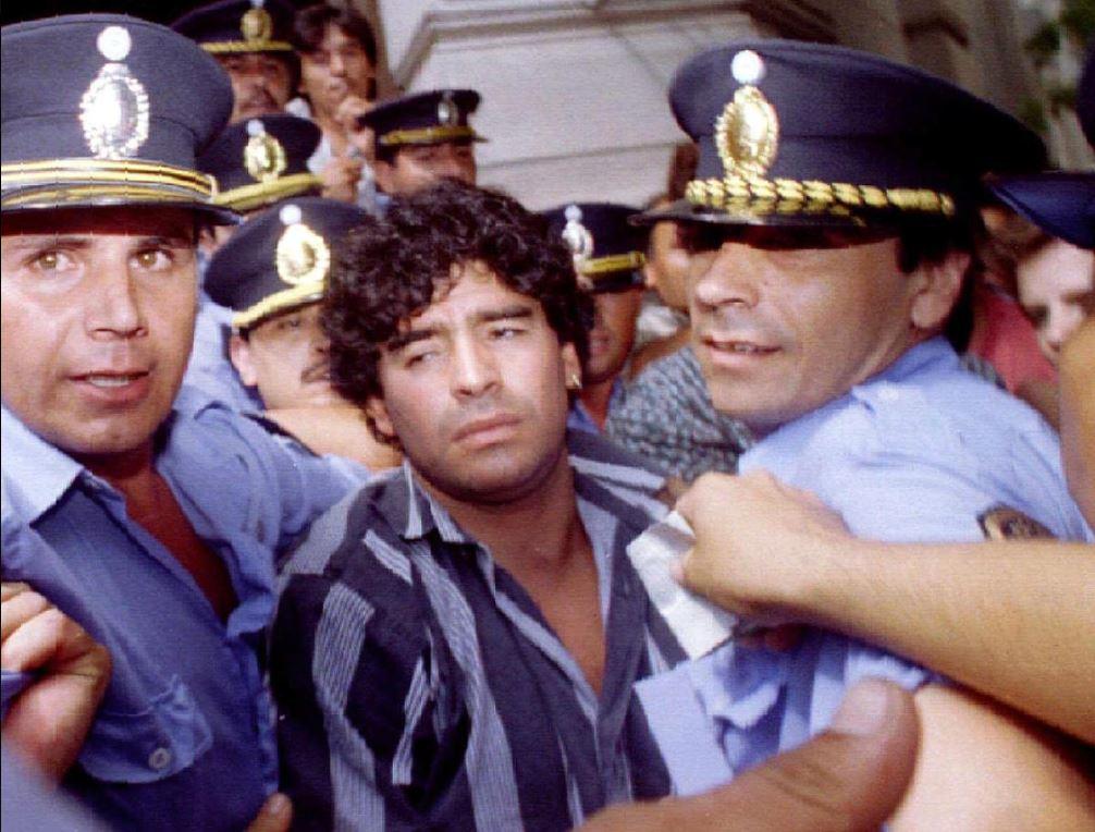 Диего Марадона и полиция