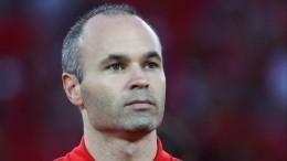 Испанский полузащитник Иньеста завершает карьеру вфутбольной сборной